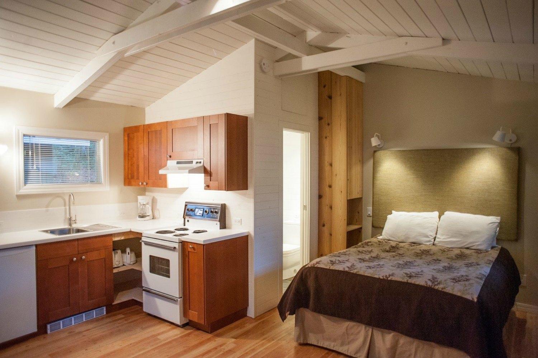Sunwolf Riverside Cabin, Squamish BC