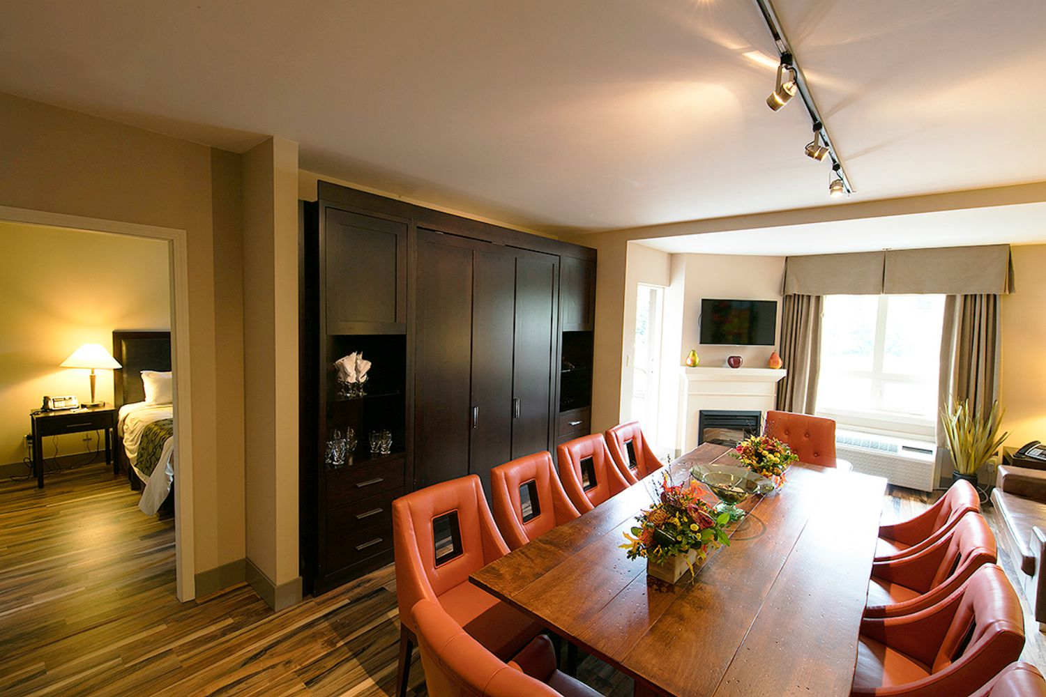 2 Bedroom and Boardroom